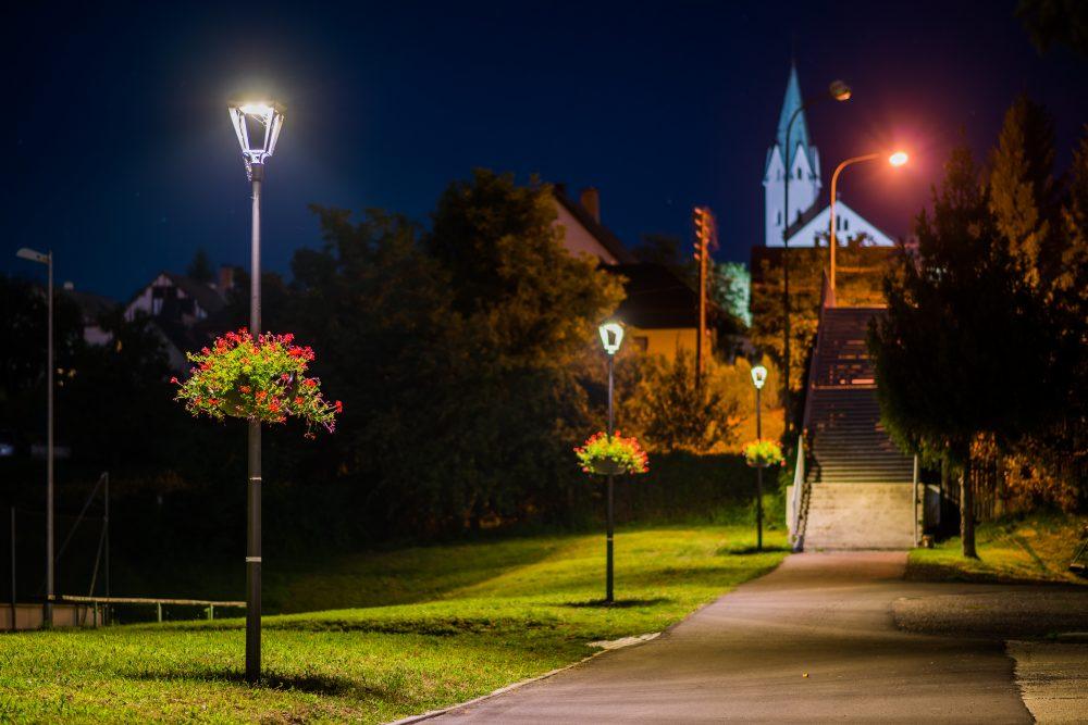 LED úsporné moderné verejné osvetlenie mesta obce Chrenovec Brusno