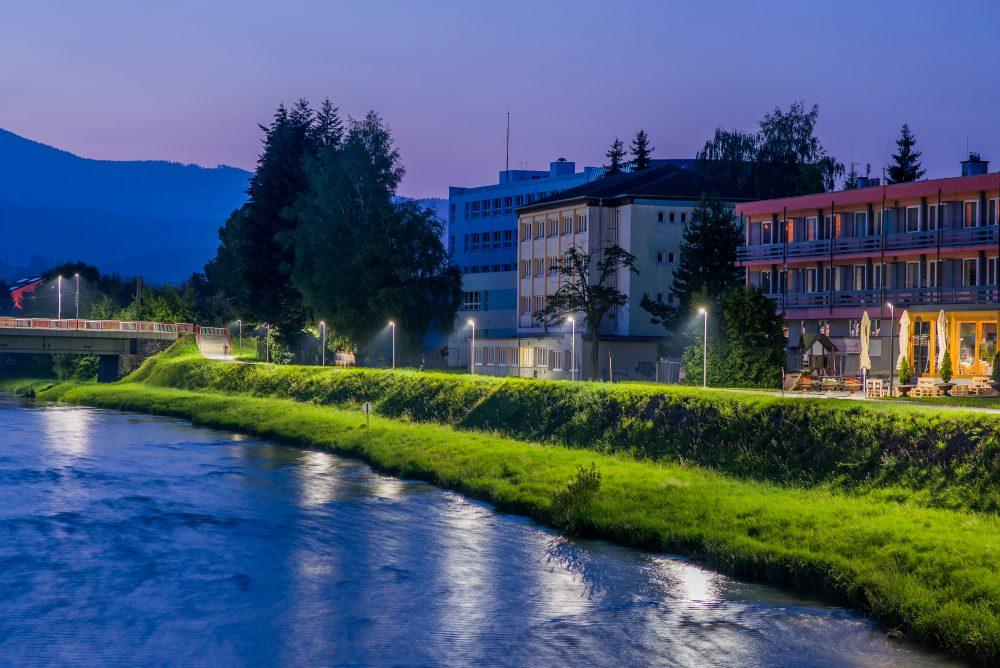 LED úsporné moderné verejné osvetlenie mesta obce Dolný Kubín