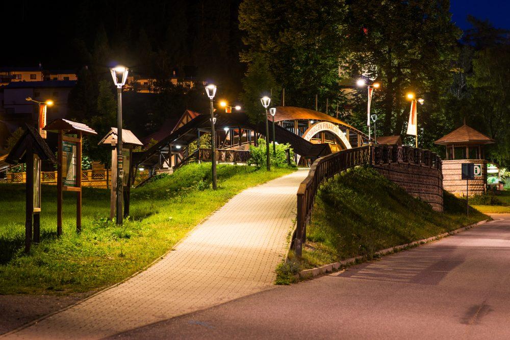 LED úsporné moderné verejné osvetlenie mesta obce Donovaly