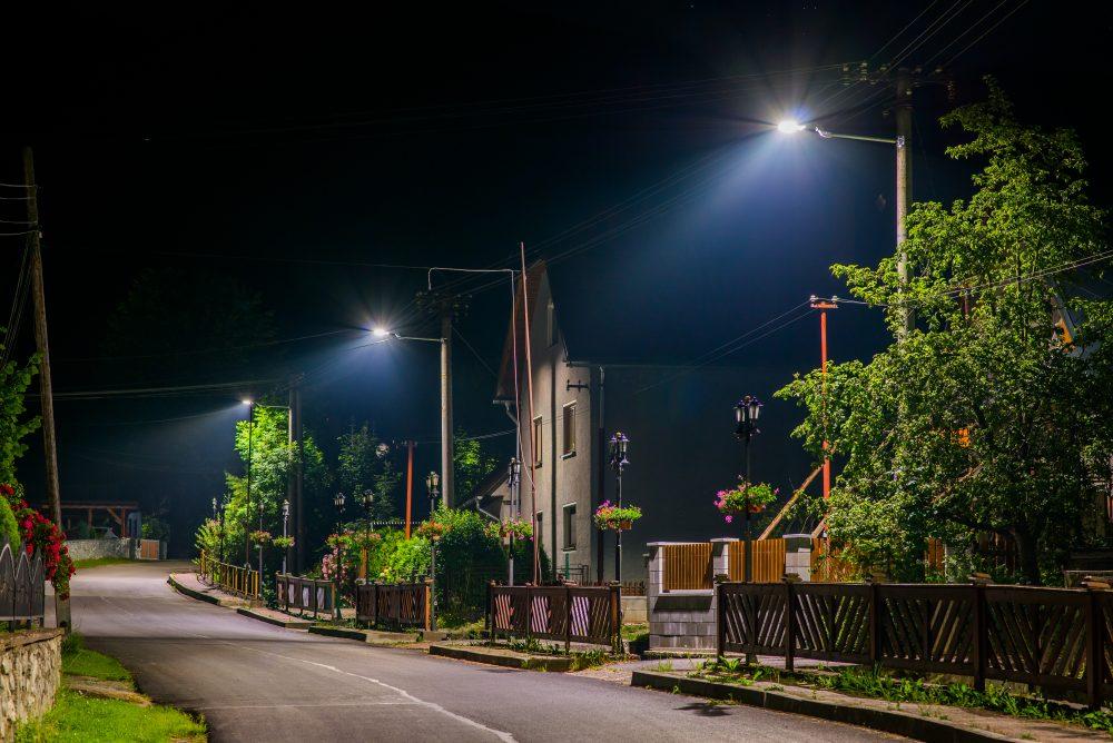 LED úsporné moderné verejné osvetlenie mesta obce Jasenová