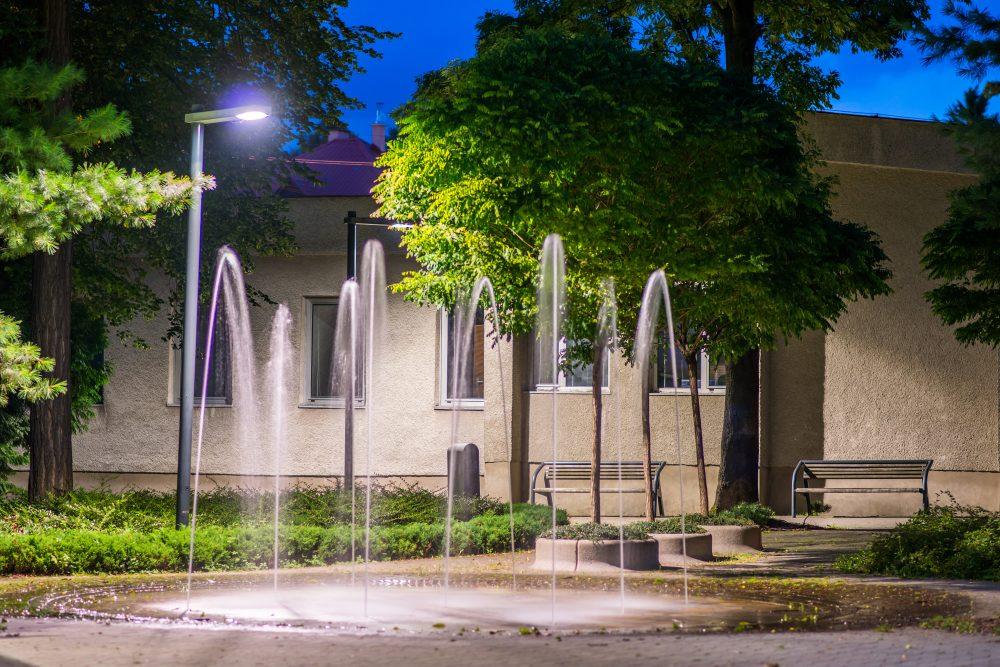 LED úsporné moderné verejné osvetlenie mesta obce Nováky